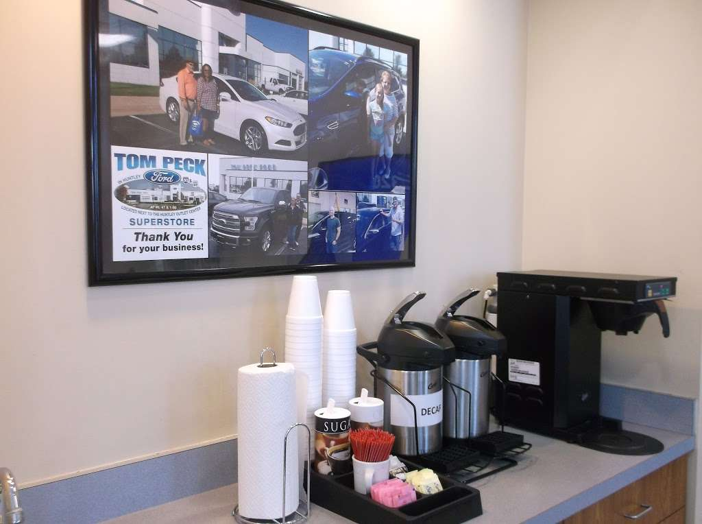 Tom Peck Ford of Huntley - car repair  | Photo 8 of 10 | Address: 13900 Automall Dr, Huntley, IL 60142, USA | Phone: (847) 669-6060