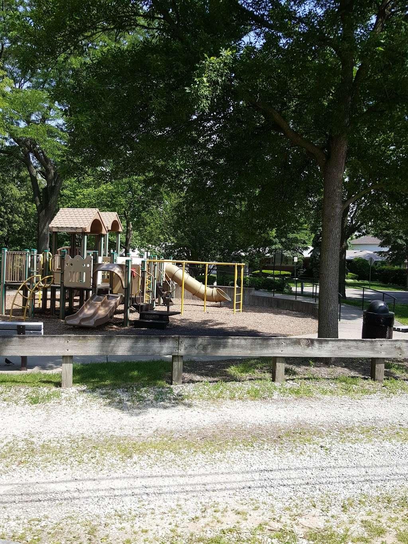 Shawnee Park - park  | Photo 6 of 10 | Address: Skokie, IL 60076, USA