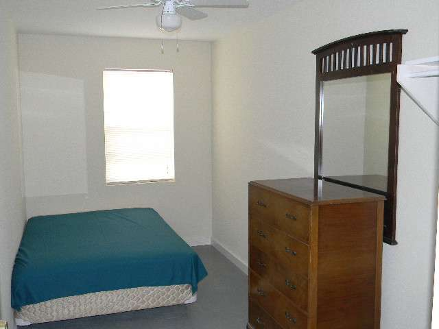 Sherman Rooming House - lodging  | Photo 5 of 10 | Address: 7026 Sherman St, Houston, TX 77011, USA | Phone: (713) 926-9551