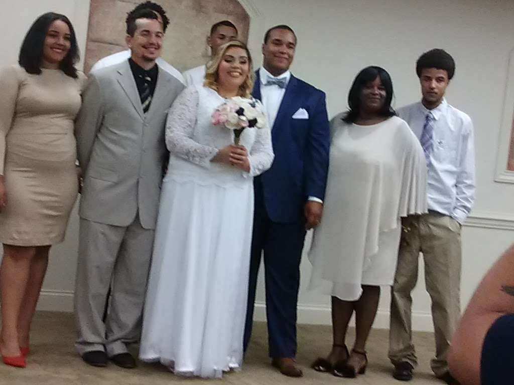 Kingdom Hall of Jehovahs Witnesses - church    Photo 5 of 8   Address: 4133 Redditt Rd, Orlando, FL 32822, USA   Phone: (407) 275-7060