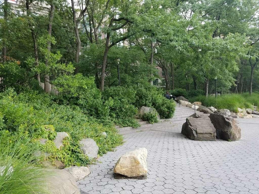 South Cove Park - park  | Photo 1 of 10 | Address: New York, NY 10280, USA | Phone: (212) 267-9700