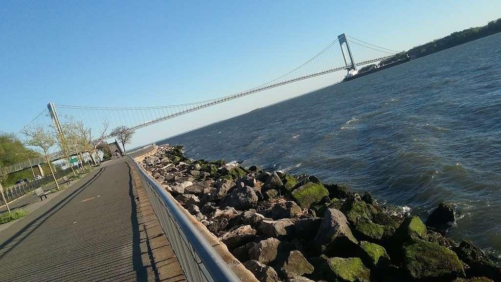 Shore Park and Parkway - park  | Photo 6 of 10 | Address: Verrazano-Narrows Bridge, Brooklyn, NY 11209, USA