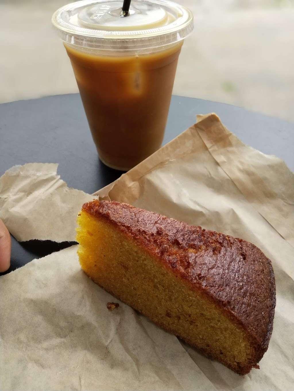 Lilia Caffé - cafe  | Photo 2 of 10 | Address: 569 Union Ave, Brooklyn, NY 11211, USA | Phone: (718) 576-3095