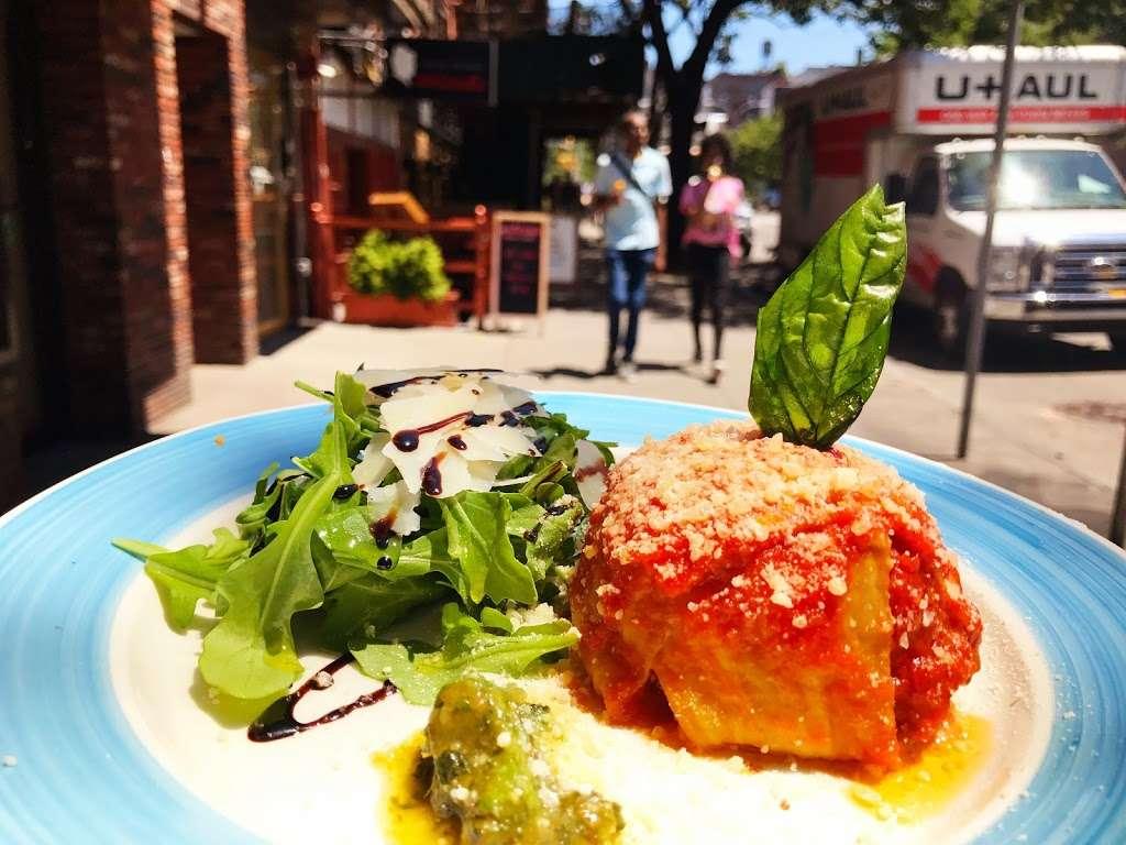 Song E Napule NYC - restaurant  | Photo 9 of 10 | Address: 2561, 146 W Houston St, New York, NY 10012, USA | Phone: (212) 533-1242