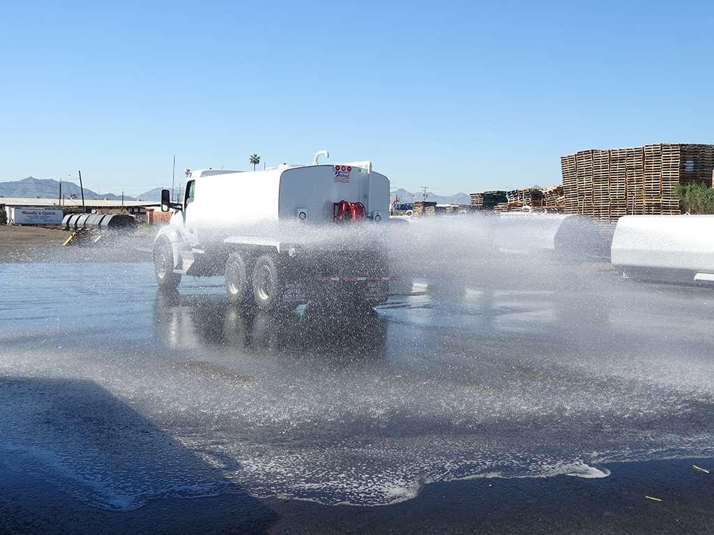 United Truck & Equipment, Inc. - store  | Photo 5 of 10 | Address: 2045 W Buckeye Rd, Phoenix, AZ 85009, USA | Phone: (602) 253-7739
