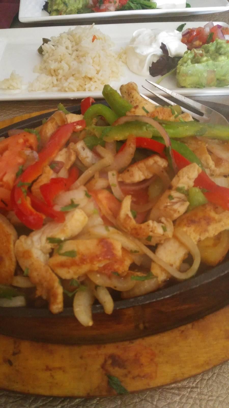 El Paraiso Restaurant - restaurant  | Photo 9 of 10 | Address: 6515 New Hampshire Ave, Takoma Park, MD 20912, USA | Phone: (301) 270-1190