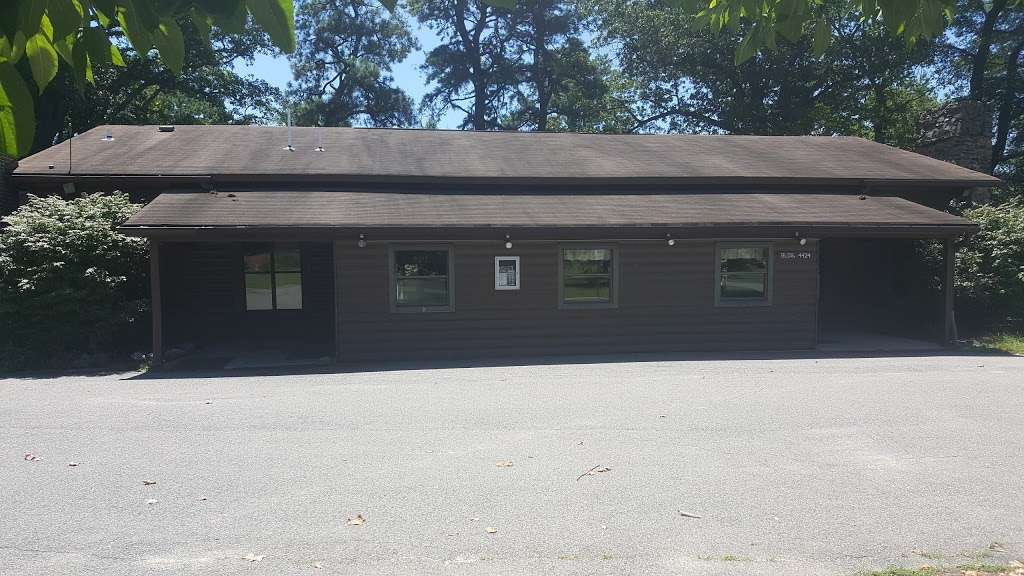 Burba Lake Cottage - lodging    Photo 2 of 10   Address: 4424 McKay St, Fort Meade, MD 20755, USA   Phone: (301) 677-3029