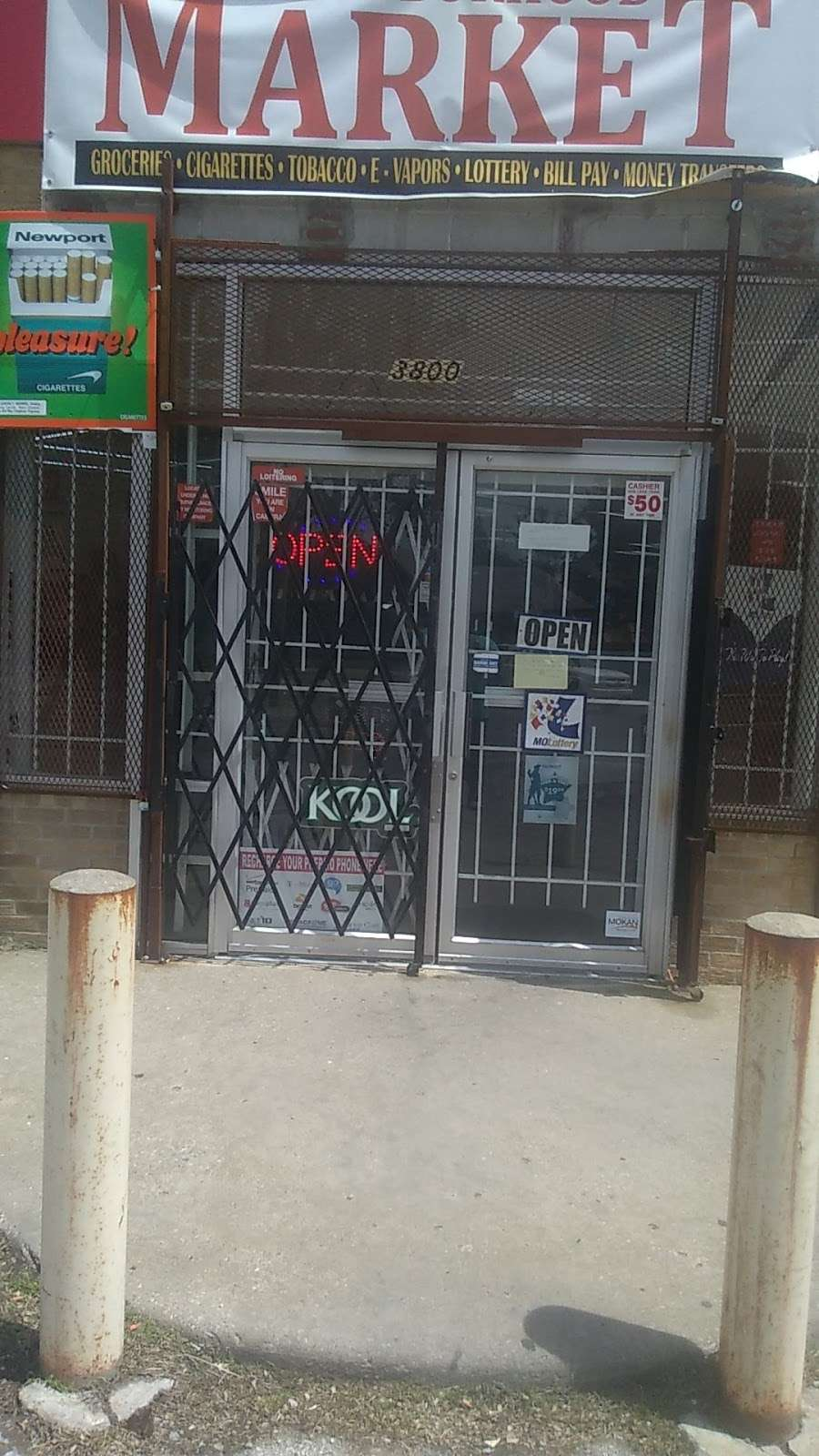 Neighborhood Market - store  | Photo 2 of 4 | Address: 3800 E 39th St, Kansas City, MO 64128, USA