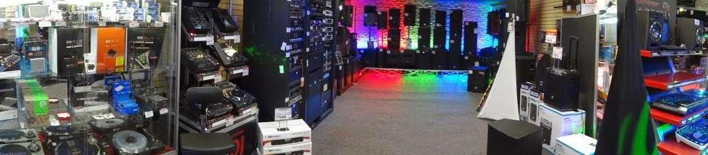 I DJ NOW - electronics store  | Photo 8 of 10 | Address: 1015 Sunrise Hwy, West Babylon, NY 11704, USA | Phone: (631) 321-1700