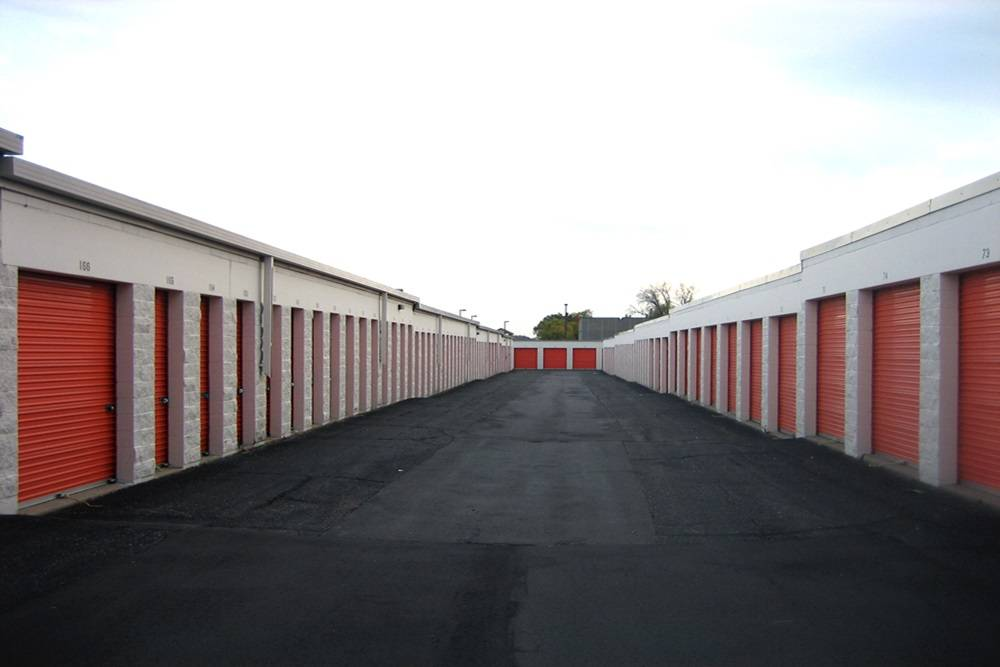 Public Storage - storage  | Photo 2 of 5 | Address: 1090 S Birch Lake Blvd, Vadnais Heights, MN 55127, USA | Phone: (651) 968-8599