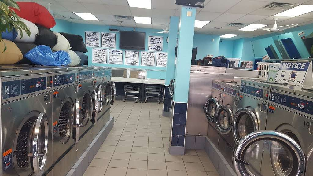 Golden Laundromat - laundry  | Photo 2 of 4 | Address: 1615 Dr Martin Luther King Jr Blvd, Bronx, NY 10453, USA | Phone: (718) 618-0234