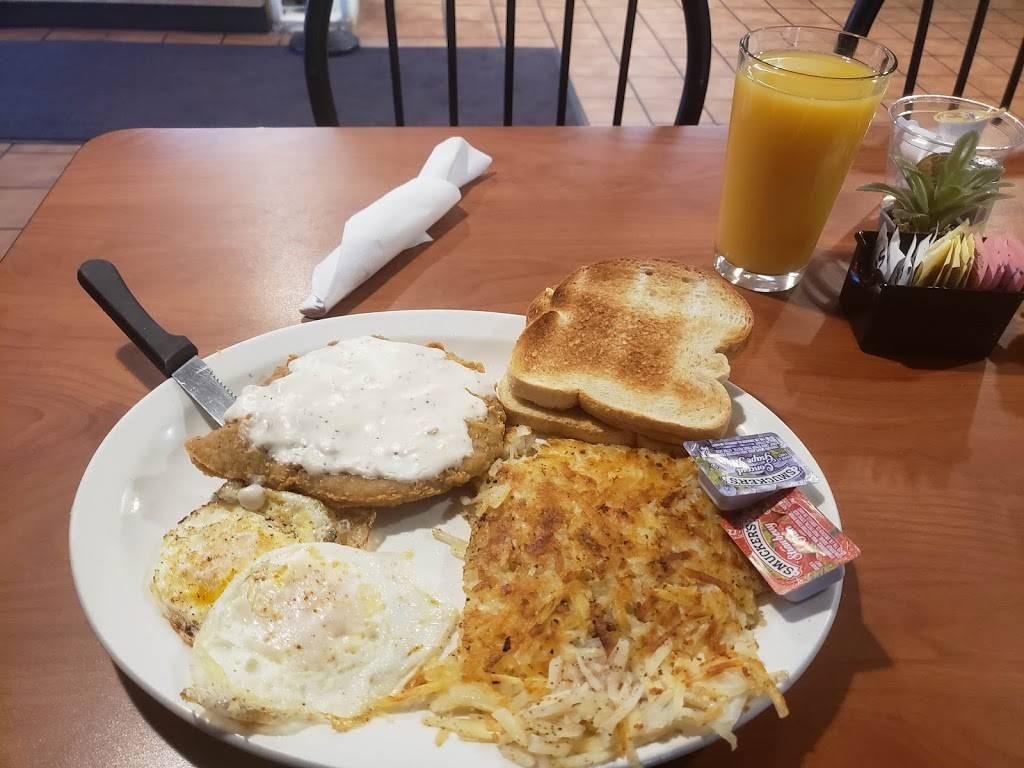 Jonesys taco house - restaurant  | Photo 5 of 10 | Address: 1116 E Locust St, Carter Lake, IA 51510, USA | Phone: (712) 847-0244