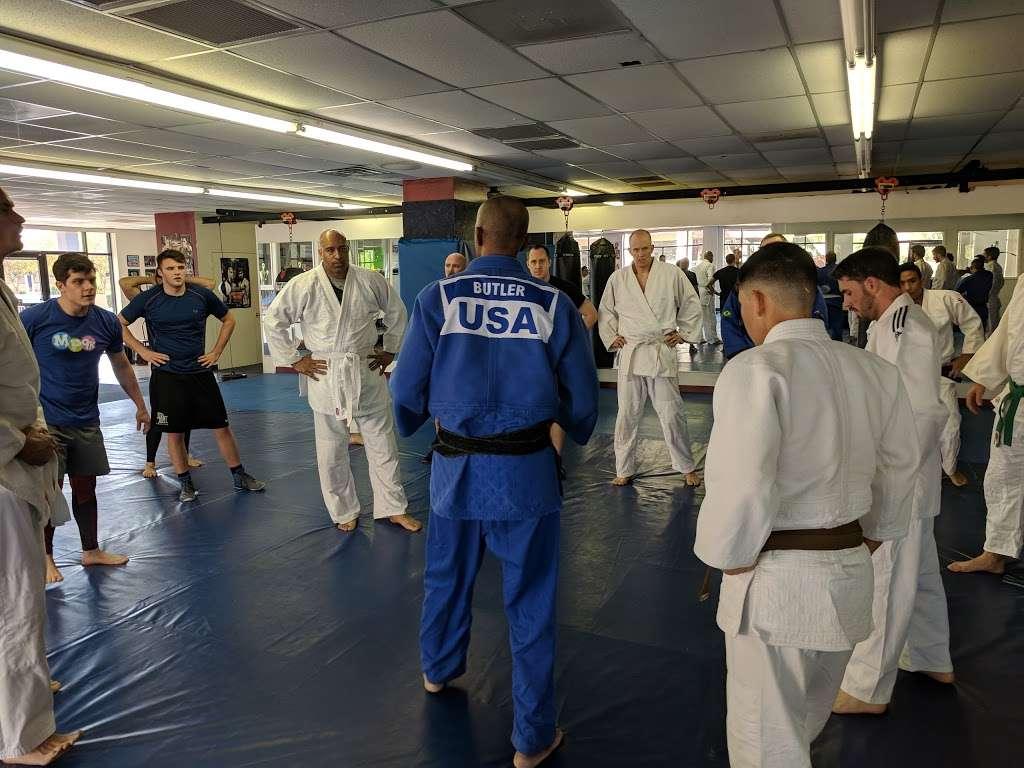 American Pankration Fighting MMA - gym  | Photo 9 of 10 | Address: 1310 E Broadway Rd #103, Tempe, AZ 85282, USA | Phone: (602) 770-5424