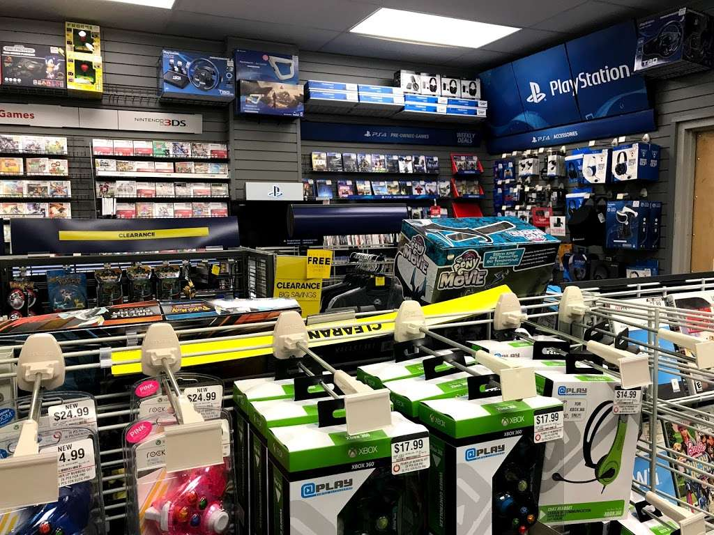 GameStop - electronics store  | Photo 4 of 10 | Address: 701 E Cathedral Rd #7, Philadelphia, PA 19128, USA | Phone: (215) 483-8889
