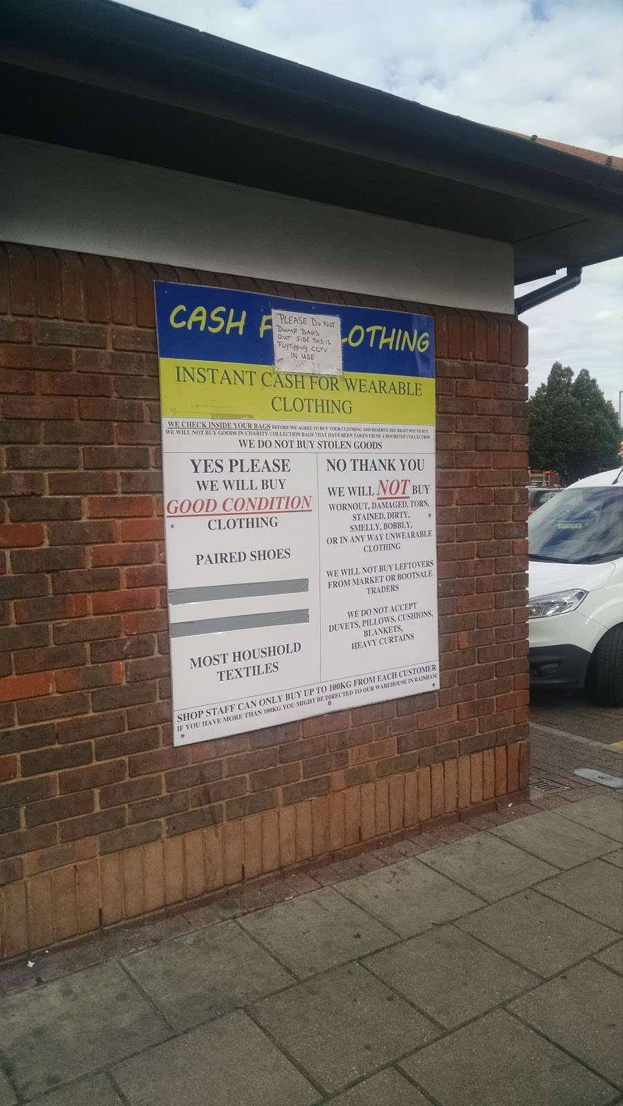 Cash For Clothes - clothing store    Photo 2 of 2   Address: 692 Becontree Ave, Dagenham RM8 1BD, UK