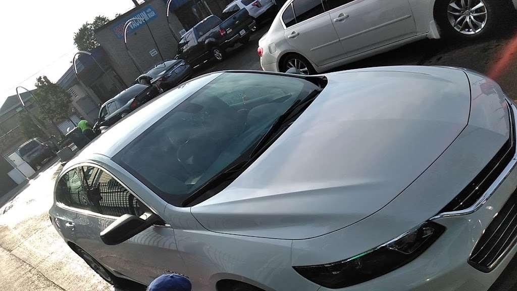Buddy Bear Car Wash - car wash  | Photo 2 of 10 | Address: 4130 S Western Ave, Chicago, IL 60609, USA | Phone: (773) 847-1221