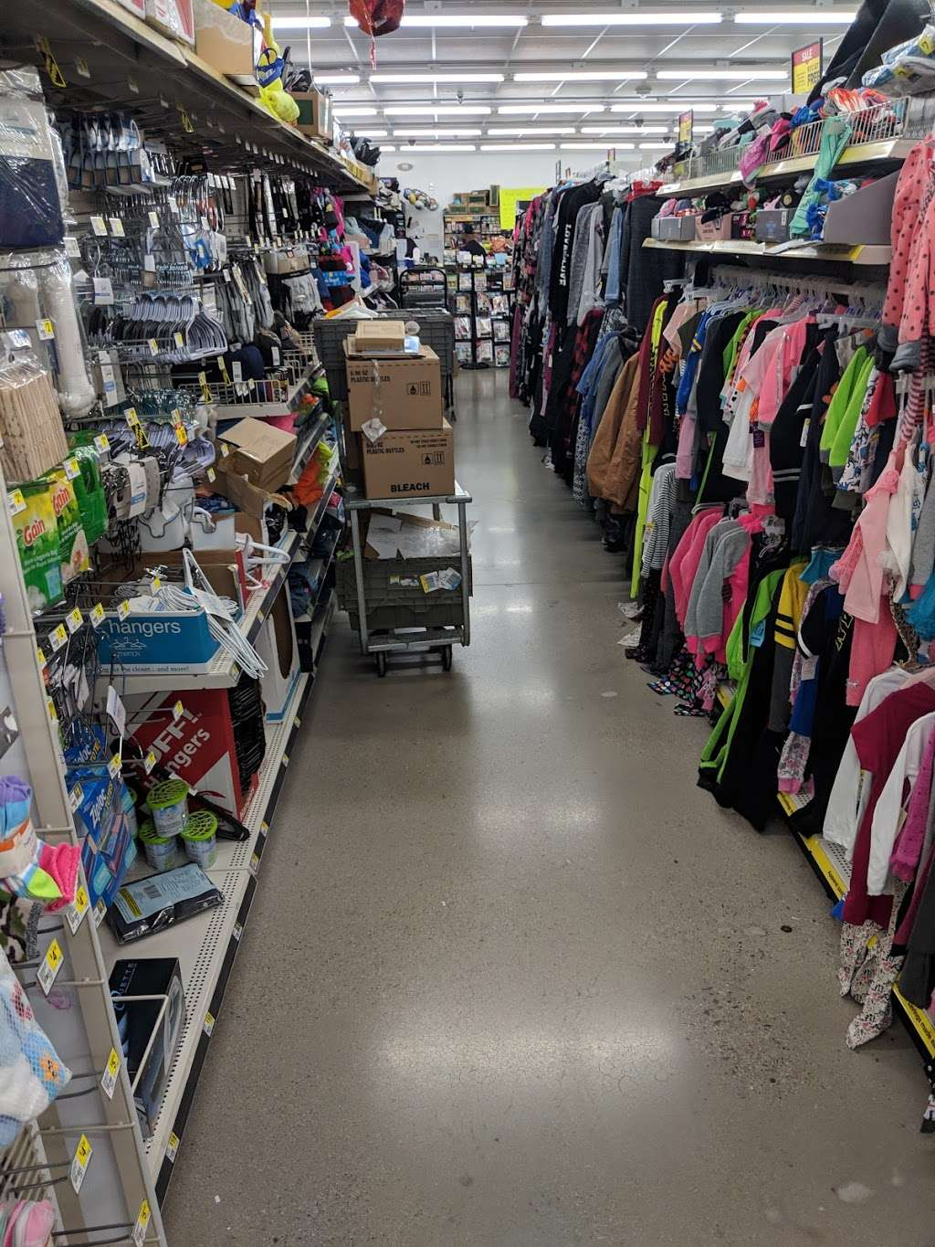 Dollar General - home goods store  | Photo 7 of 10 | Address: 422 W Camp Wisdom Rd, Duncanville, TX 75116, USA | Phone: (469) 490-2605
