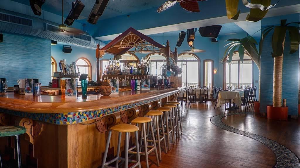 Hurricane Seafood Restaurant - restaurant  | Photo 1 of 9 | Address: 809 Gulf Way, St Pete Beach, FL 33706, USA | Phone: (727) 360-9558