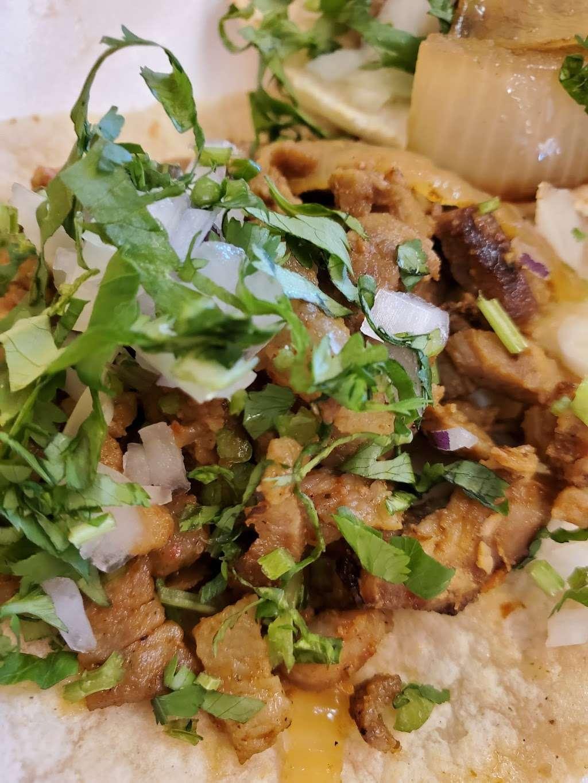 Salsitas Mexican Food - restaurant  | Photo 6 of 10 | Address: 10328 W Indian School Rd, Phoenix, AZ 85037, USA | Phone: (623) 872-5328