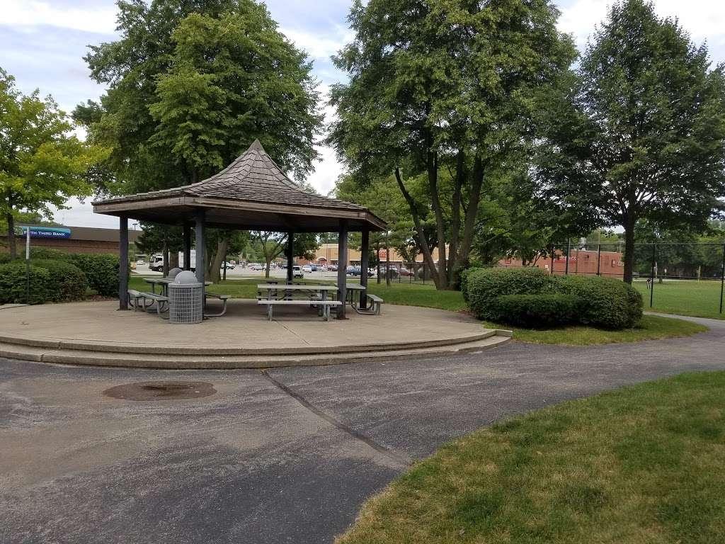 Memorial Park - park  | Photo 2 of 10 | Address: La Grange Park, IL 60526, USA