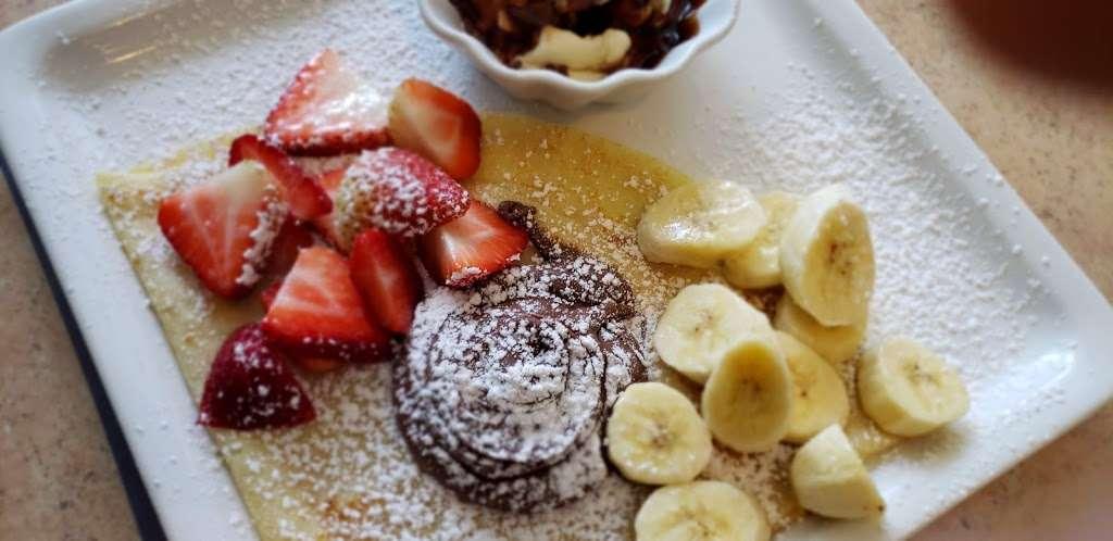 La Francesita Gourmet Bakery Cafe - cafe  | Photo 2 of 10 | Address: 9550 Woodlands Pkwy, The Woodlands, TX 77382, USA | Phone: (281) 298-9684