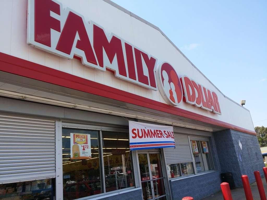 Family Dollar - supermarket  | Photo 3 of 10 | Address: 7500 Prospect Ave, Kansas City, MO 64132, USA | Phone: (816) 926-0885