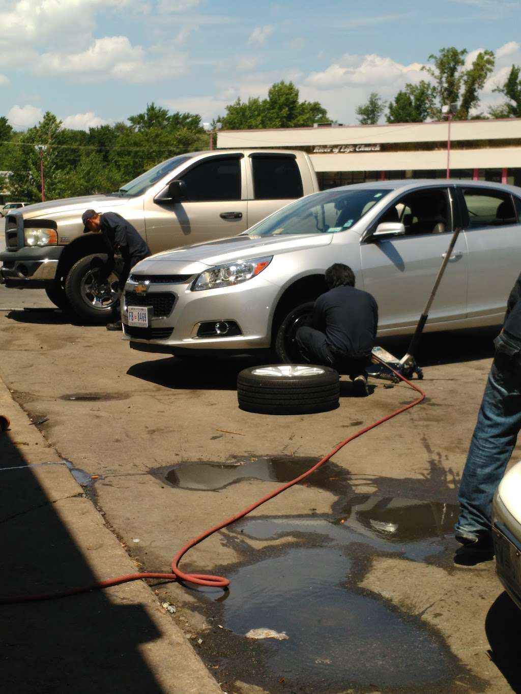 A & K Used Tires Inc - car repair  | Photo 2 of 4 | Address: 3140 Branch Ave, Hillcrest Heights, MD 20748, USA | Phone: (301) 894-5500