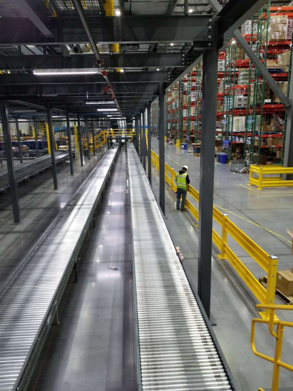 Walmart eCommerce Fulfillment Center - storage  | Photo 2 of 10 | Address: 9590 AllPoints Pkwy, Plainfield, IN 46168, USA | Phone: (317) 406-8100