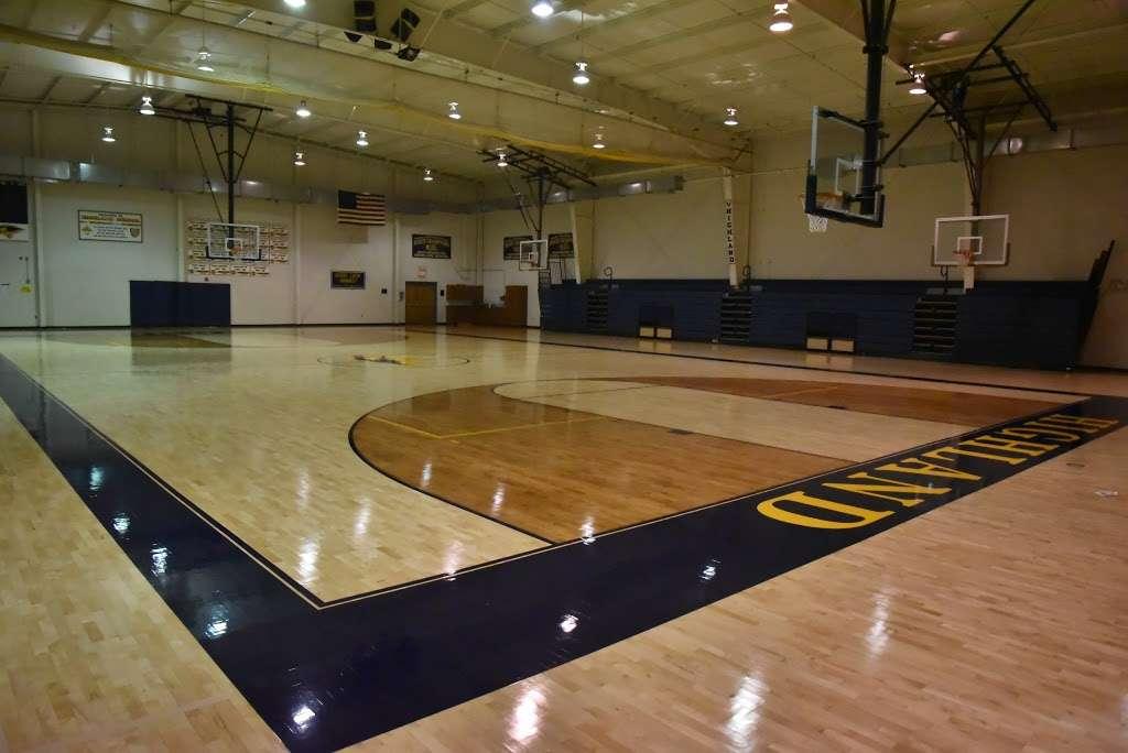 Highland School - school  | Photo 5 of 10 | Address: 597 Broadview Ave, Warrenton, VA 20186, USA | Phone: (540) 878-2700