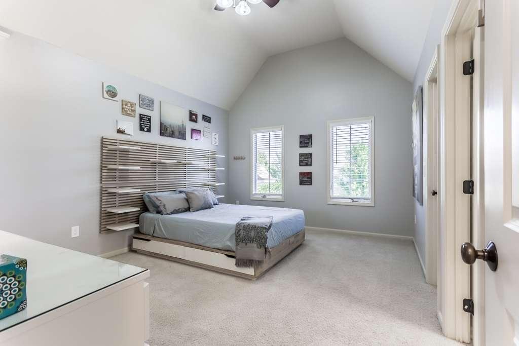 Overland Park Kansas Vacation Property - real estate agency    Photo 4 of 10   Address: 9711 W 145th Terrace, Overland Park, KS 66221, USA   Phone: (214) 713-3353