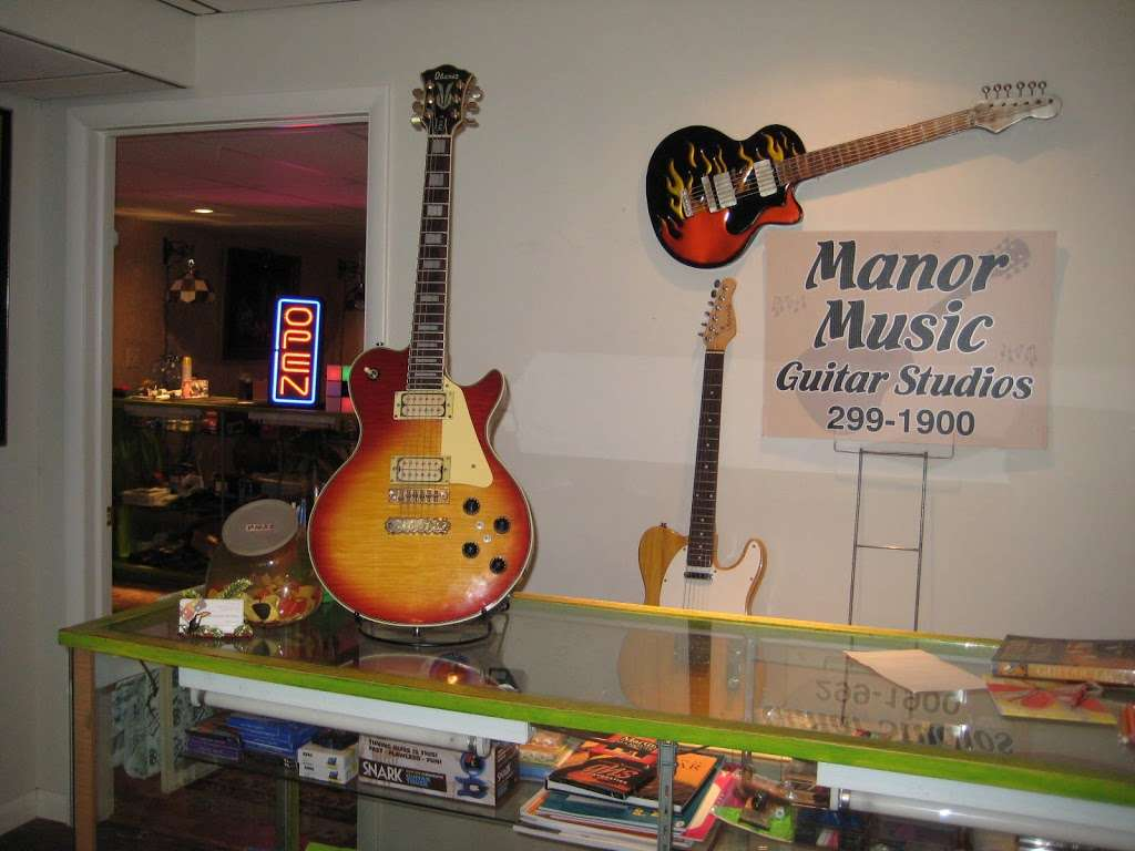 Manor Music - electronics store  | Photo 6 of 10 | Address: 201 Heatherstone Way, Lancaster, PA 17601, USA | Phone: (717) 299-1900