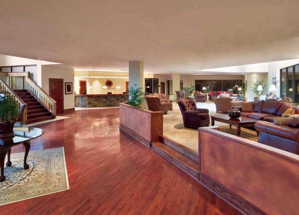 Minerals Hotel - lodging    Photo 5 of 10   Address: 2 Chamonix Dr, Vernon Township, NJ 07462, USA   Phone: (844) 237-1115