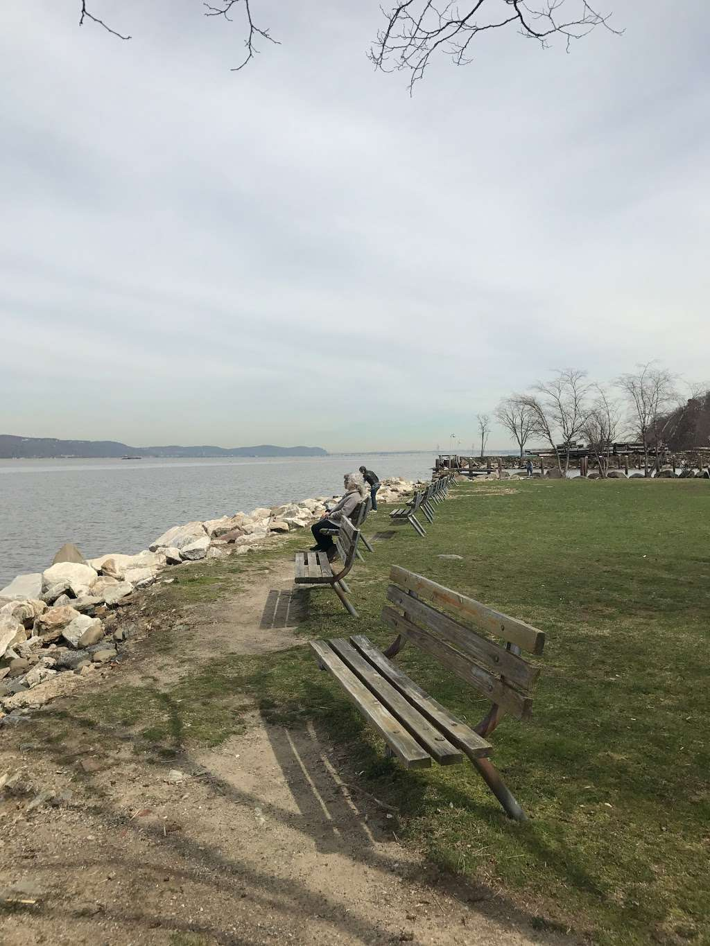 MacEachron Waterfront Park - park  | Photo 8 of 10 | Address: 100 River St, Hastings-On-Hudson, NY 10706, USA
