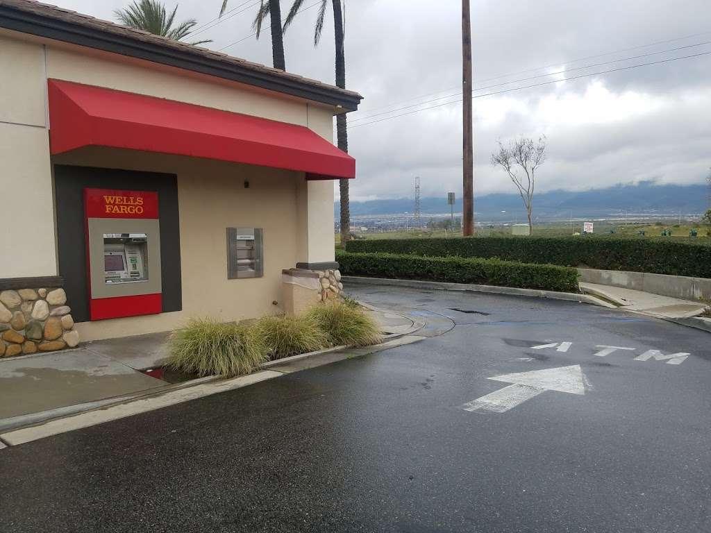 Wells Fargo Bank - bank  | Photo 3 of 5 | Address: 14307 Baseline Ave, Fontana, CA 92336, USA | Phone: (909) 349-6020