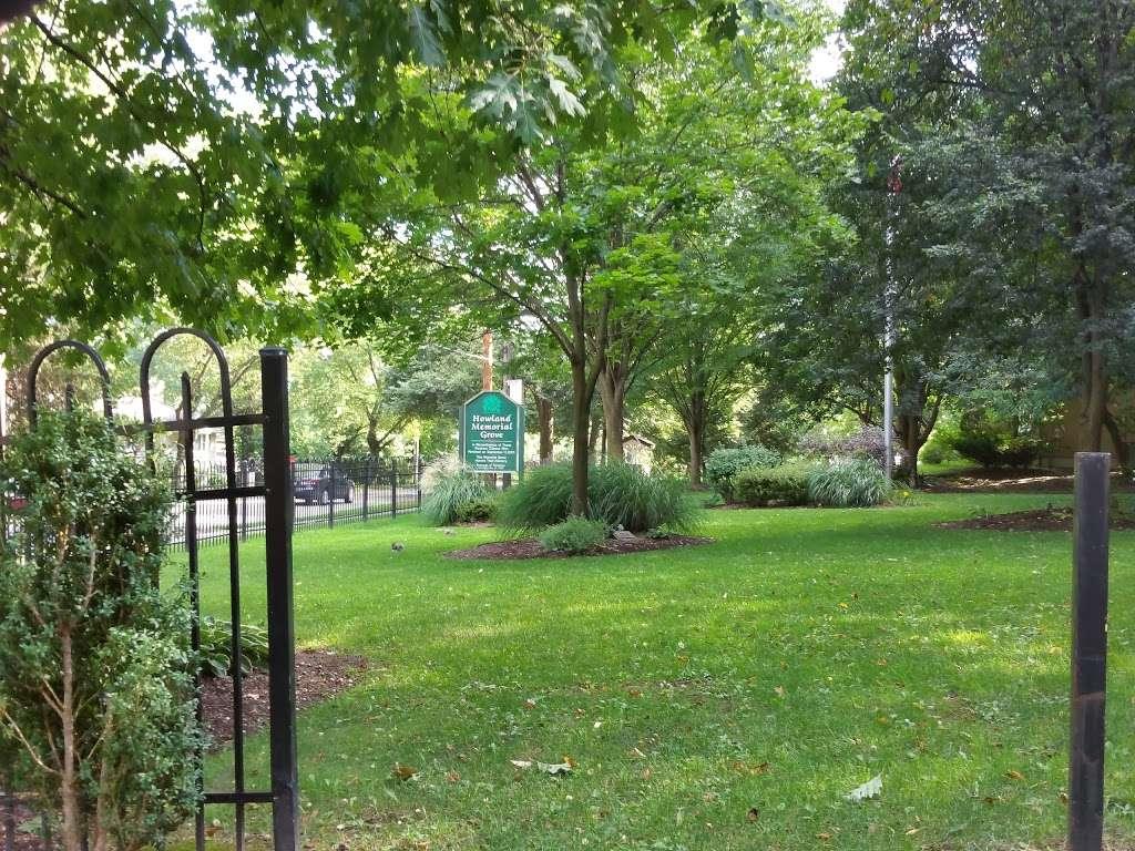 Howland Memorial Grove - park  | Photo 2 of 9 | Address: 136 Howland Ave, Paramus, NJ 07652, USA | Phone: (201) 265-2100