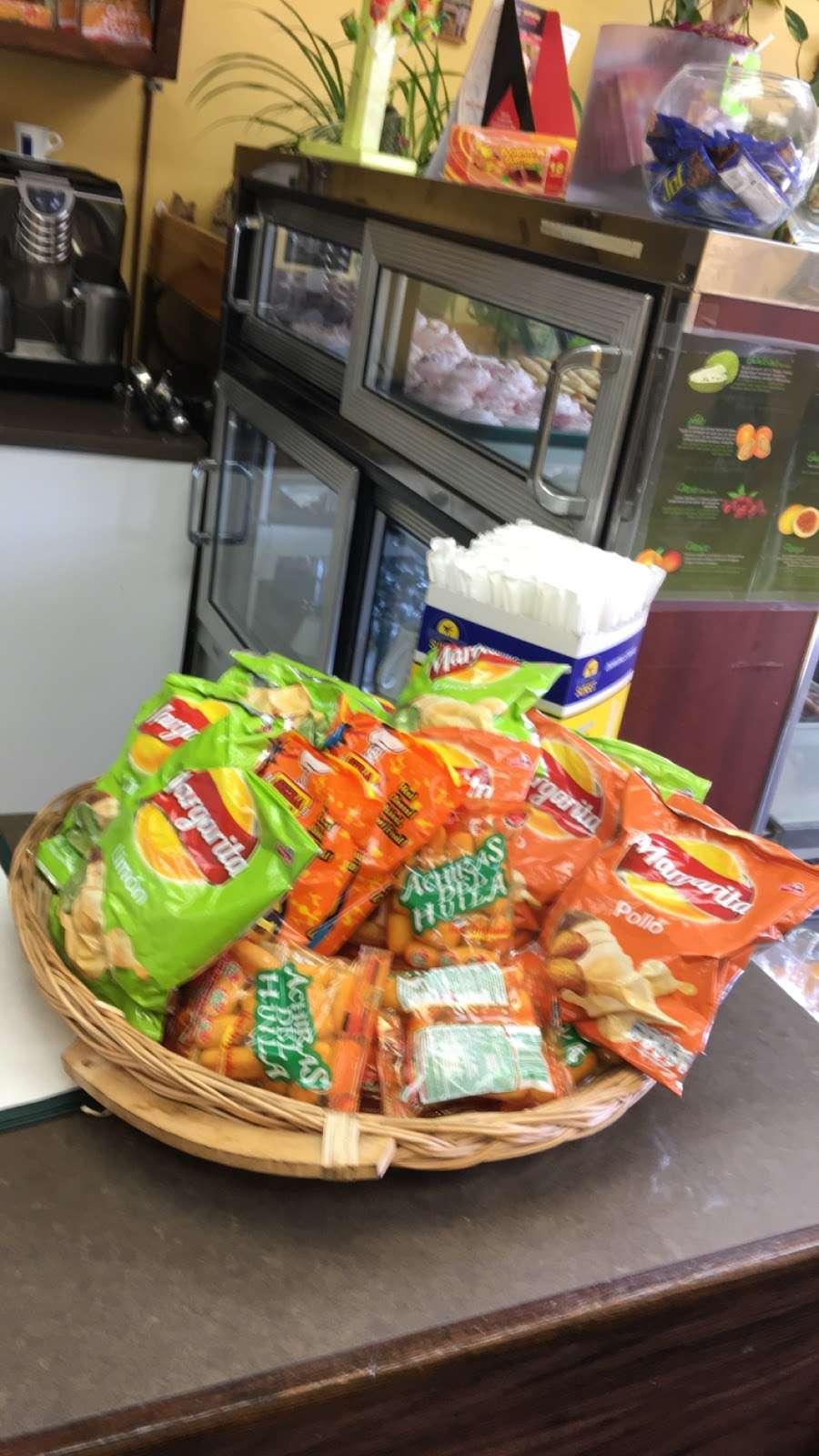 Chiqui Cafe - cafe  | Photo 3 of 7 | Address: 24617 Jericho Turnpike, Queens, NY 11426, USA | Phone: (718) 347-8100