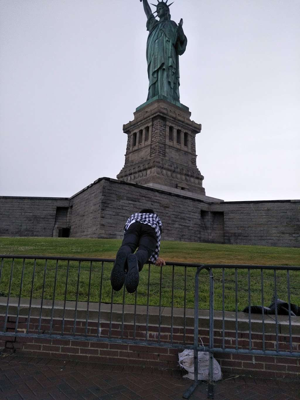 Audio Tour Kiosk - travel agency  | Photo 2 of 10 | Address: Brooklyn, NY 11231, USA | Phone: (212) 363-3180