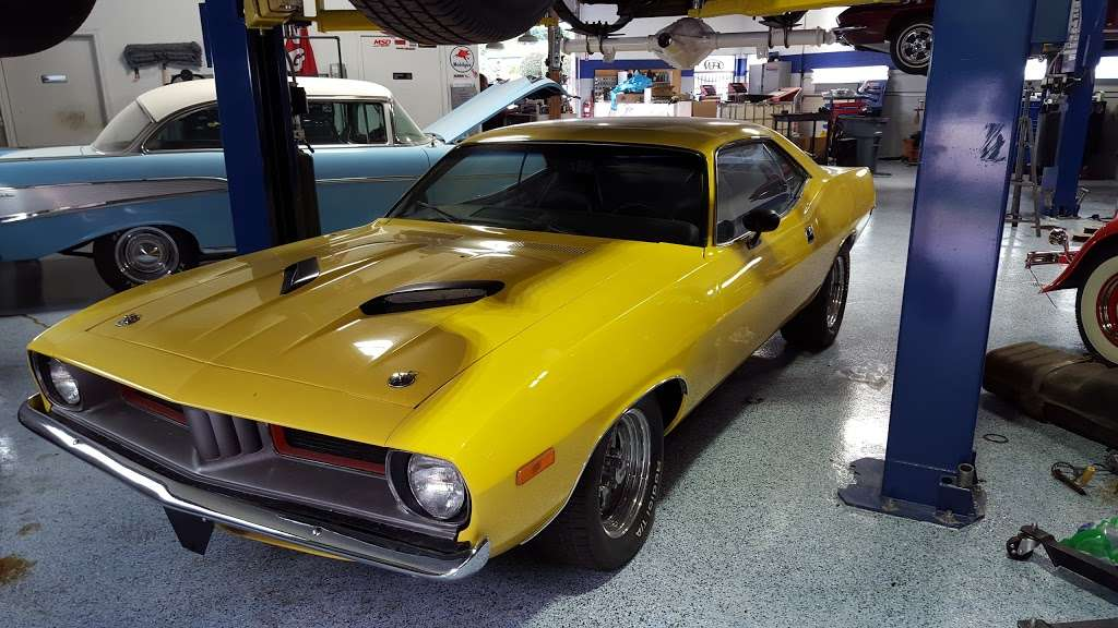 Joes Garage and Customs - car repair  | Photo 10 of 10 | Address: 2050 E Algonquin Rd, Algonquin, IL 60102, USA | Phone: (847) 458-1050