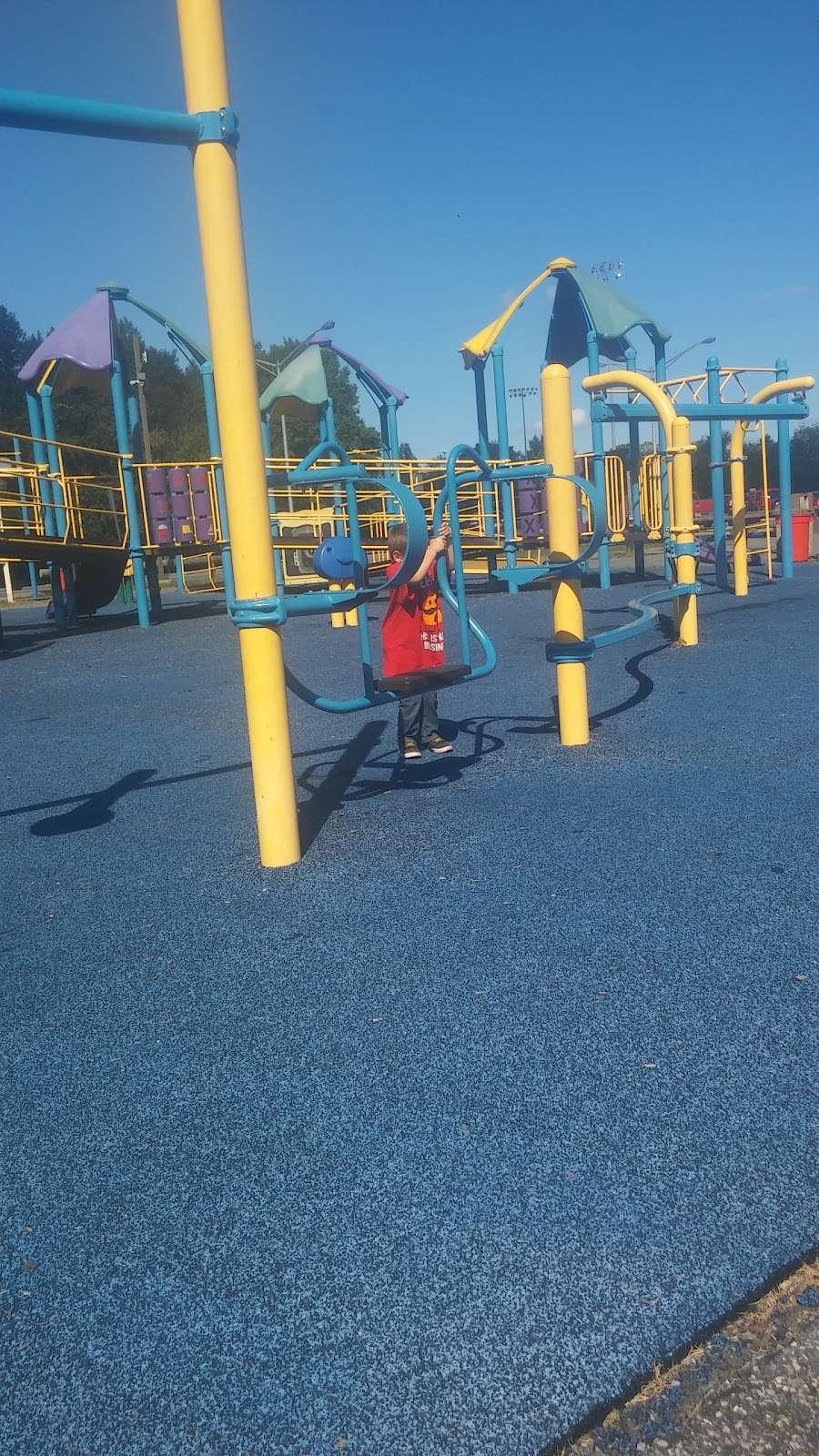 Carneys Point Recreational Park - park  | Photo 8 of 10 | Address: 229 Penns Grove Auburn Rd, Pedricktown, NJ 08067, USA | Phone: (609) 254-0000