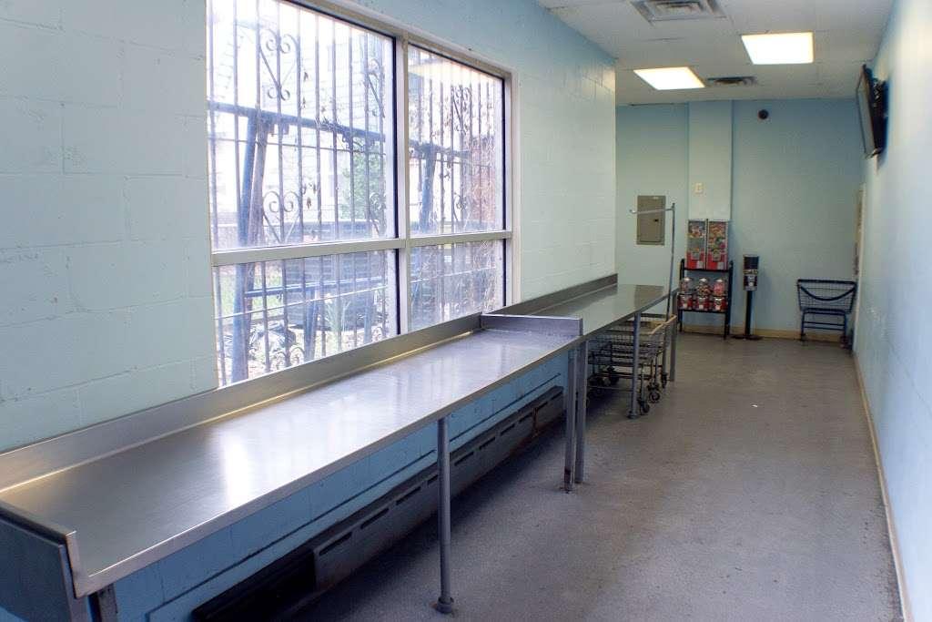 Senor Bubbles Laundromat & Dry Cleaner - laundry  | Photo 3 of 10 | Address: 456 Baldwin Ave, Jersey City, NJ 07306, USA | Phone: (201) 656-3471