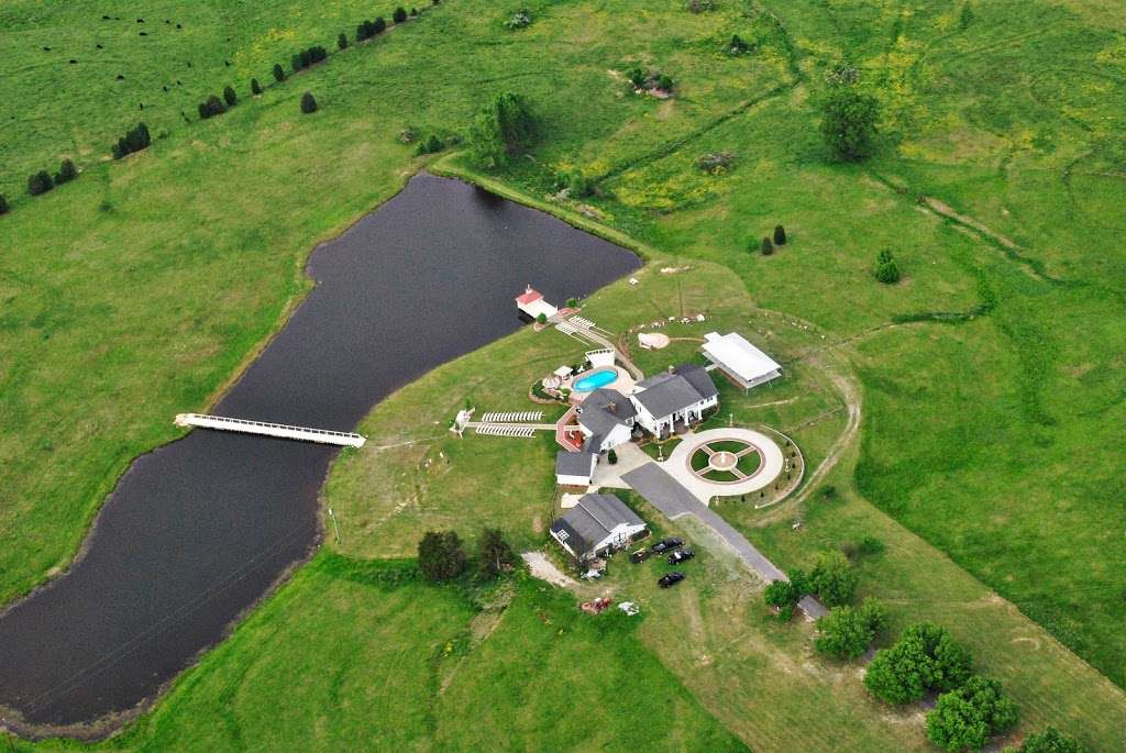 Laurel Haven Estate - lodging  | Photo 1 of 17 | Address: 3341 Taxahaw Rd, Lancaster, SC 29720, USA | Phone: (803) 203-7565