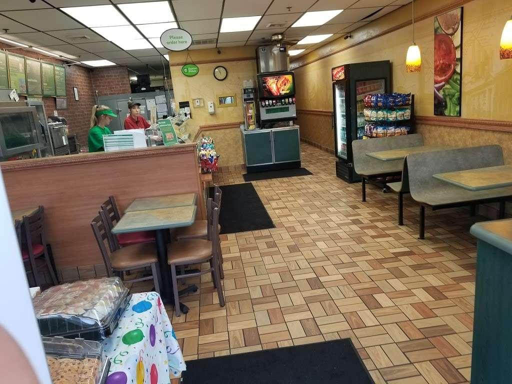 Subway - restaurant  | Photo 3 of 10 | Address: 4166 S 108th St, Milwaukee, WI 53228, USA | Phone: (414) 425-8000