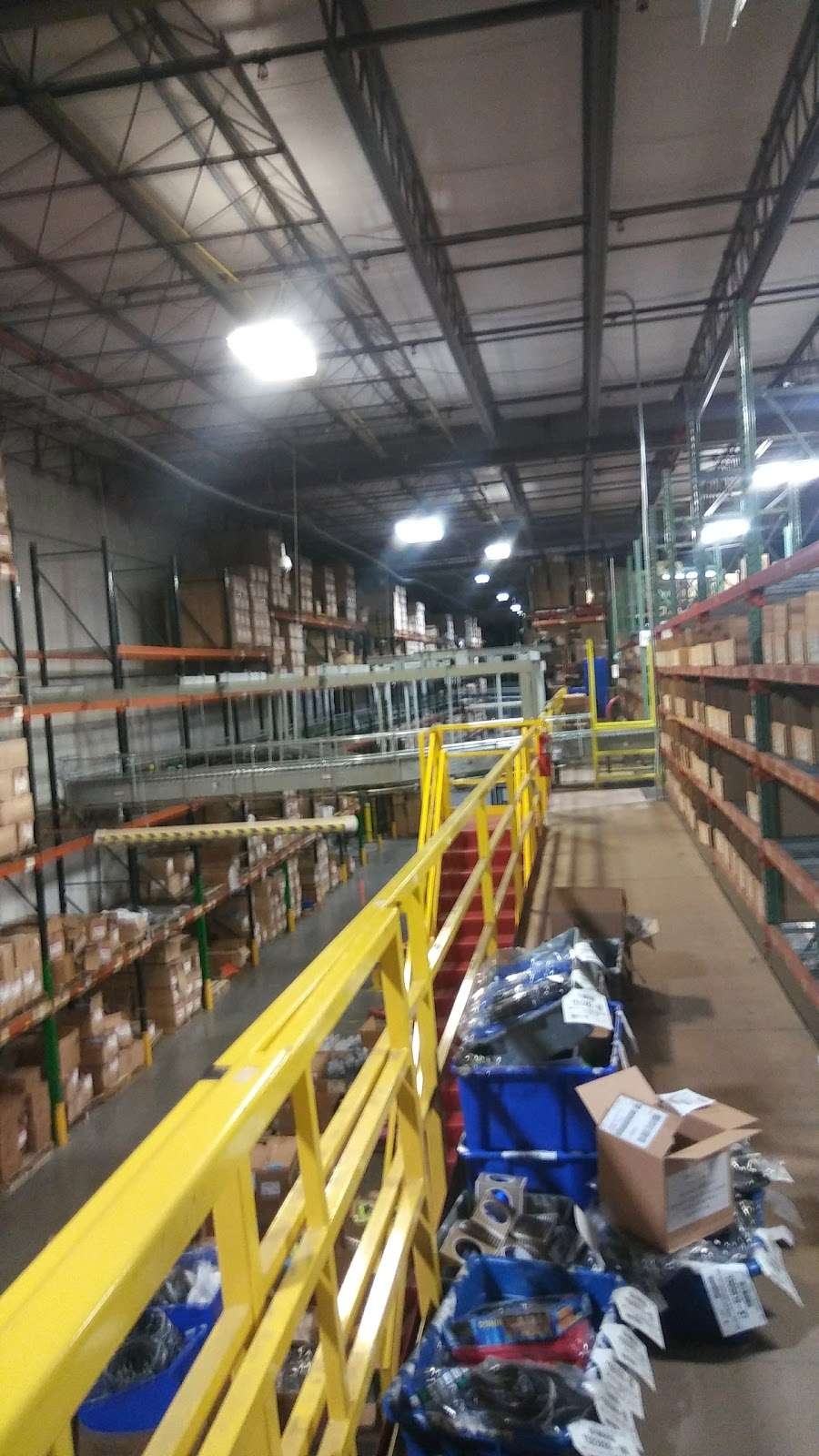 BDA Midwest Fulfillment Center - storage  | Photo 1 of 5 | Address: 1201 Perry Rd #101, Plainfield, IN 46168, USA | Phone: (800) 451-4764
