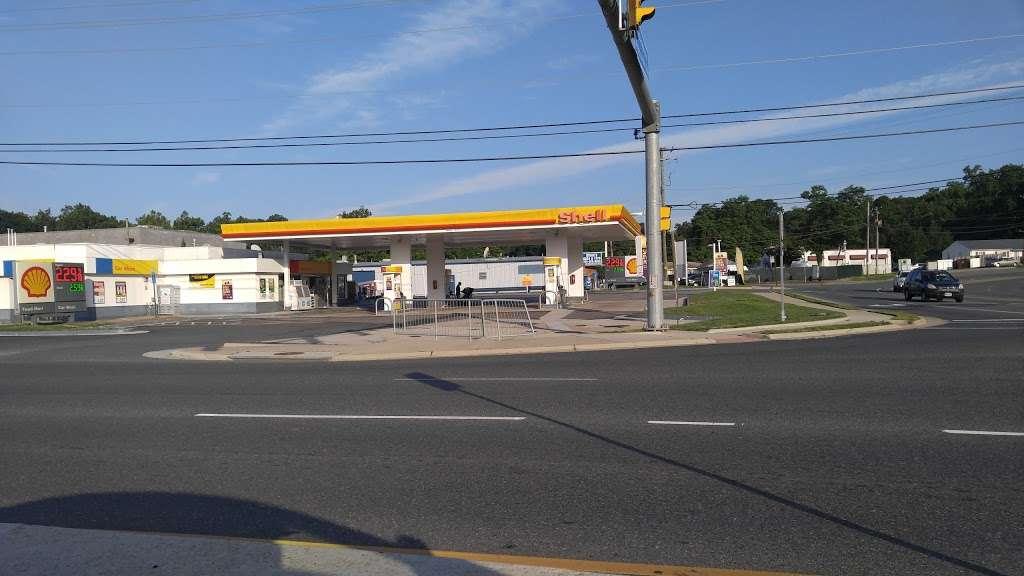 Shell - gas station  | Photo 1 of 2 | Address: 15550 Neabsco Mills Rd, Woodbridge, VA 22191, USA | Phone: (703) 910-4650