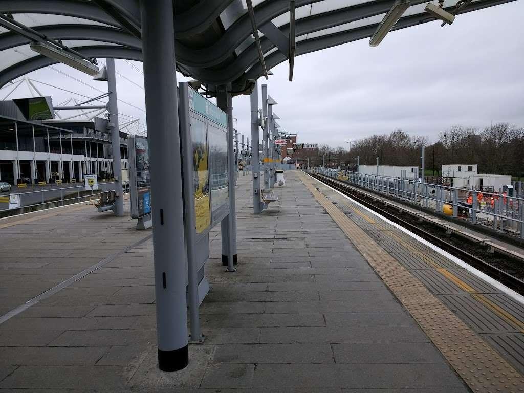 Prince Regent - train station    Photo 2 of 10   Address: Victoria Dock Rd, London E16 3DB, UK   Phone: 0343 222 1234