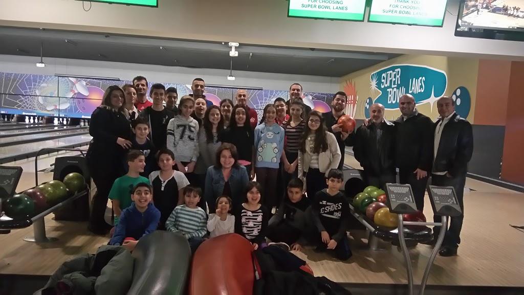 Super Bowl - bowling alley  | Photo 5 of 10 | Address: 10000 Tecumseh Rd E, Windsor, ON N8R 1A2, Canada | Phone: (519) 735-7500