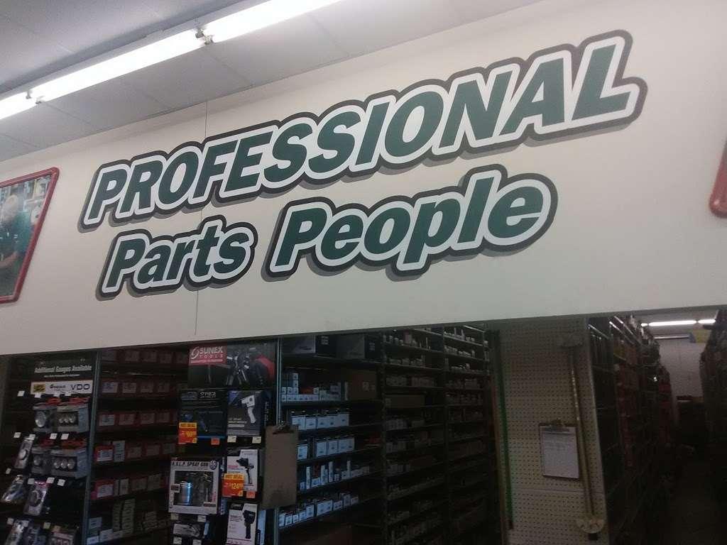 OReilly Auto Parts - electronics store  | Photo 9 of 10 | Address: 2113 Northwest Blvd, Newton, NC 28658, USA | Phone: (828) 465-0421