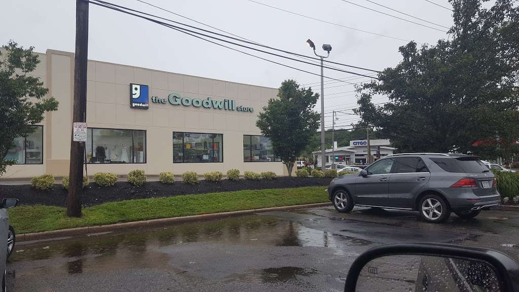 Goodwill Industries Store & Donation Center - clothing store  | Photo 10 of 10 | Address: 1900 Jericho Turnpike, East Northport, NY 11731, USA | Phone: (631) 462-4219