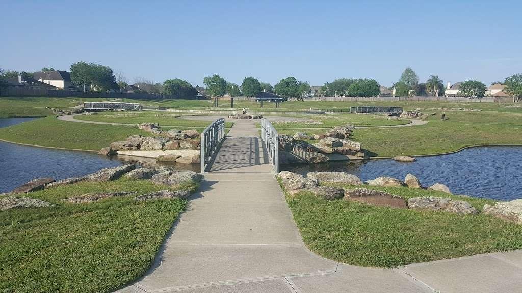 Heritage Park Overlook Basin - park  | Photo 1 of 10 | Address: Friendswood Link Rd, Friendswood, TX 77546, USA