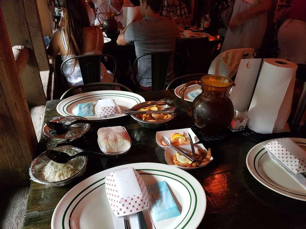 Jungle Queen Dinner - restaurant  | Photo 2 of 10 | Address: Fort Lauderdale, FL 33312, USA